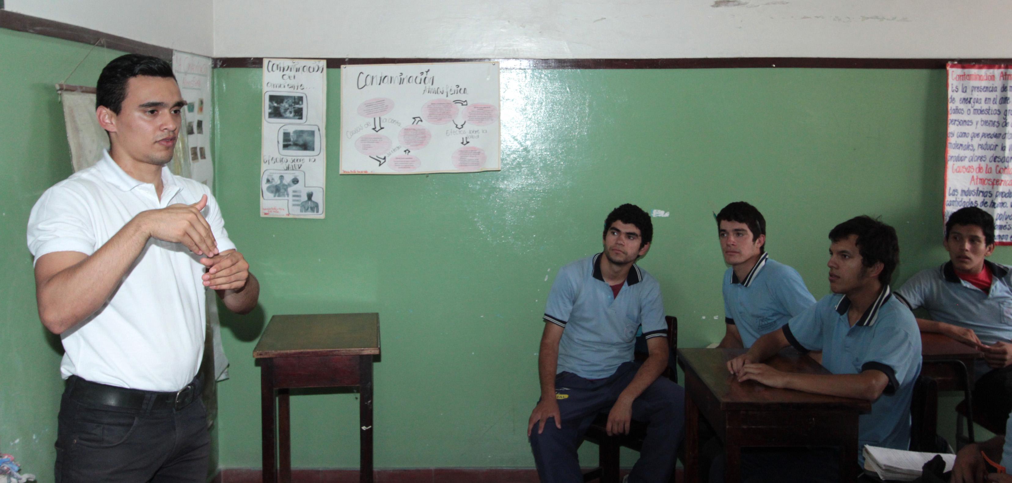 Miembros de Asociaciones de Sordos fueron capacitados sobre el Voto  Accesible